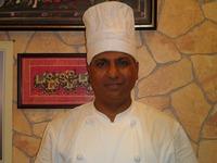 RAJESH KUMAR 私はインドで10年間料理長を経験し、それからマレーシアでも3年間料理長を務めました。沖縄には8か月前にきて、ラジャーで愛情いっぱいのインド料理をお客様に振舞っております。是非、お店に来て下さい!