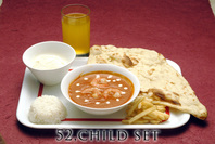 (one choice of curry, small naan, rice, snack, dessert, drink) カレーはメニューから1つ選んで下さい。 (ナン・ライス・スナック・デザート・ドリンク付き) 700円