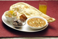 """<div style=""""font-size:x-small;"""">RANI SET お姫様セット 1,100円 MIX SEA FOOD CURRY OR BUTTER CHICKEN CURRY, CHICKEN TIKKA, NAAN OR RICE, SALAD, DESSERT, DRINK ミックスシーフードカレー又はバターチキンカレー チキンテカー・ナン又はライス・サラダ・デザート・ドリンク付</div>"""