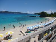 一番人気のビーチ、古座間味 レンタル器材、食事、シャワーなど施設が 充実していて、おススメの場所です。