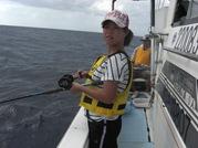 乗船料、ガイド料、釣り具一式レンタル代、ライフジャケットレンタル代、保険料、消費税 ※仕掛けは2セット分が含まれます