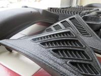 RZ250R ネックカバー プラスチック製!年経で色褪せの多い部品ですね。 結晶塗装ブラック施工。