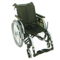 ワンタッチで背シートの角度も3段階に切替可能、各部調整機能付きで楽な姿勢を維持。