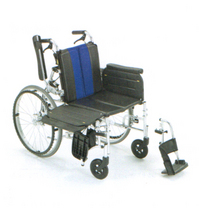 身体を持ち上げなくても横からの移乗動作が簡単にできベッドへの移乗負担を軽減。