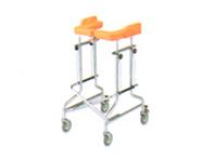 幅広のパッドと歩行速度の調整ができる抵抗器付きで、安定した歩行をサポート。