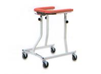 歩行車に身体を預けて使用できるので、上腕で姿勢を保持できる方、足の筋肉が若干弱い方が使用。