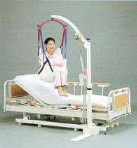 ベッドに固定するだけの省スペース設置タイプ。