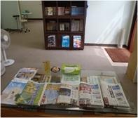 <center>新聞,雑誌,マンガなど各種取り揃えています!  受付さんとゆんたく、という手も?