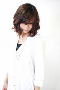 "<b>hair:SHIMA</b>  <b>model:A.Megumi</b>   >><a href=""http://churakami-okinawa.jp/salon/didi_un_mode/haircatalog/1885/html""><span style=""color:#FF0000;font-size:14px;""><b>このスタイルの詳細はコチラ</span></a></b>"