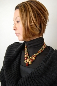"<b>hair:SHIMA</b>  <b>model:N.Kniko</b>   >><a href=""http://churakami-okinawa.jp/salon/didi_un_mode/haircatalog/858/.html""><span style=""color:#FF0000;font-size:14px;""><b>このスタイルの詳細はコチラ</span></a></b>"