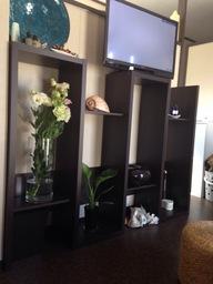 待合室です! お待ちのお連れ様用にテレビやくつろげるソファーをご用意しております!!