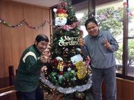 みんなで飾り付けツリーの組み立てもおこない美味しい料理を食べて良いクリスマス会ができました。