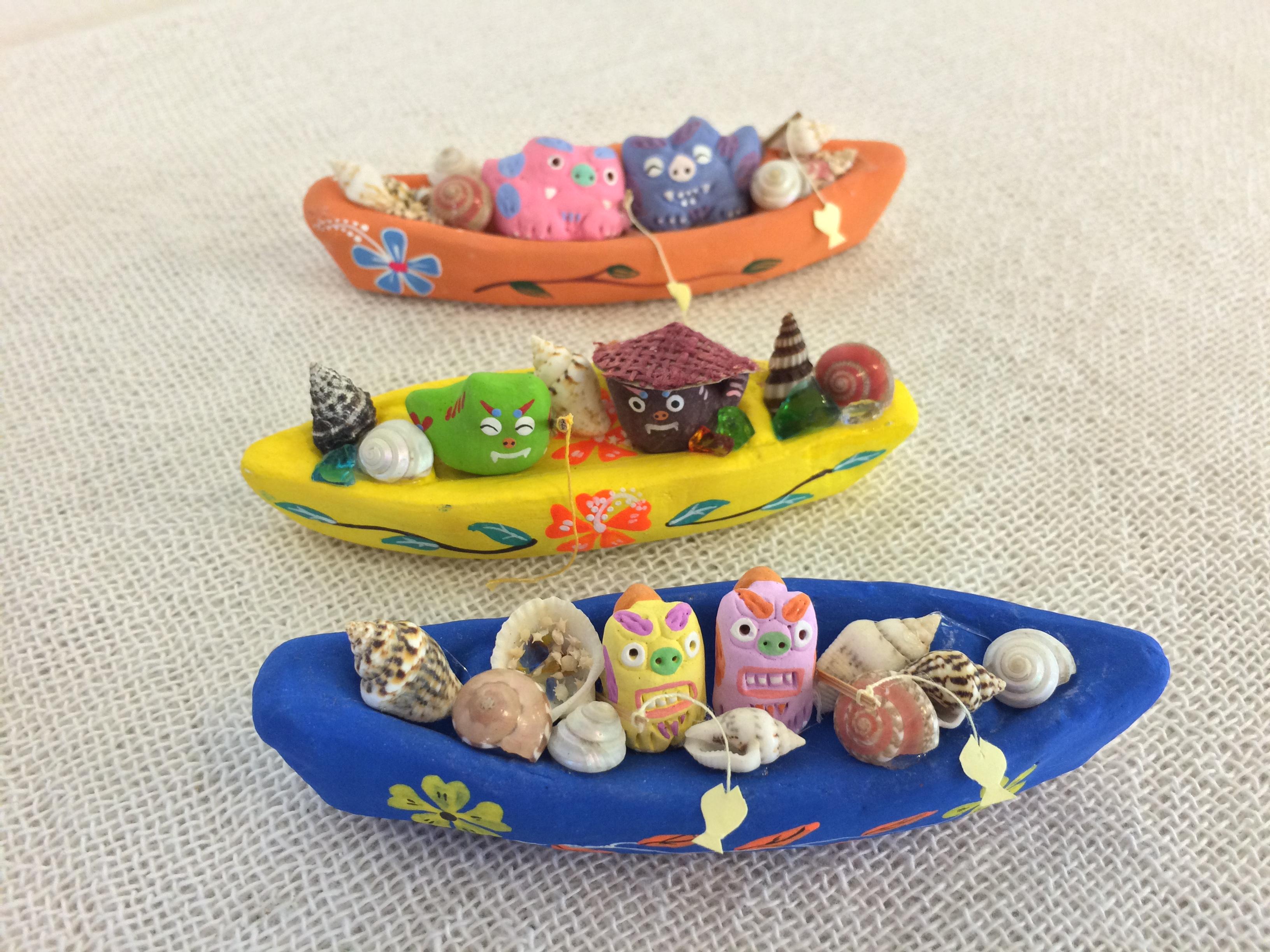 サバニ(漁船)乗りシーサー☆シーサーが可愛く絵付けされた船に乗って、漁に出かけます!大漁になりますように\(^o^)
