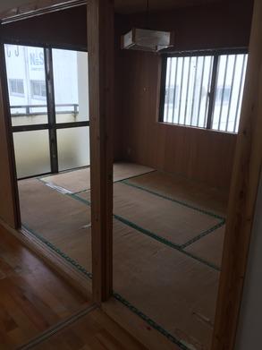 板壁の部屋です