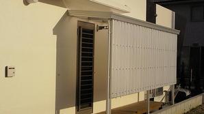 前面や側面にパネルを取り付けることで、雨風よけや目隠し日よけを防ぎ安心した暮らしを提案します。