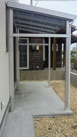 住宅と離して独立型に建物には負担がかからず安心して生活できます。