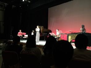 「音楽と絵本の世界」 テンブスホールにて♪