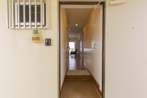 お部屋入り口ドア