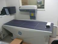 骨粗しょう症の診断にかかせない装置です。当院では全身骨密度測定が可能なGM社製の最先端装置を導入しています。