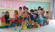・創造性豊かな子ども達、自分で考えそして造る(大型ブロックを使っておっきな汽車が完成しました\(^_^)/)