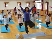 ☆毎週、インストラクターによるキッズヨガ  「身体を動かし、呼吸を整えながら心も身体もリフレッシュ!!」