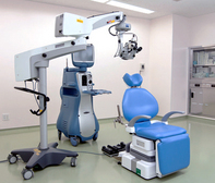 手術室、手術機器、手術用顕微鏡