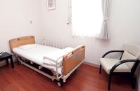 手術後は個室にてお休みいただきます。 入院加療は承っておりません。