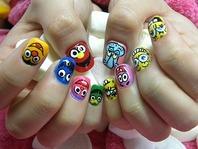 マニキュア(お手入れ/1色込み)¥2,100 Manicure(W/1 bace color)  フットケア(アート込み)¥2,625 Pedicure(Includes Nail Art)  手アート/足アート¥1,575 Nail Art/Toe Nail Art